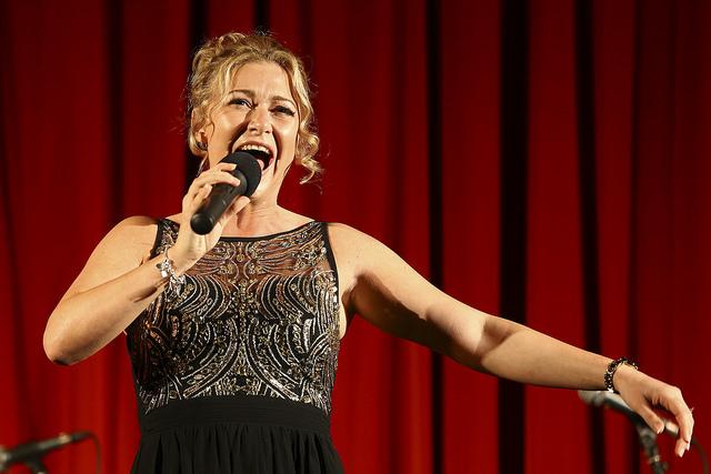 Singer Kearra Bethany